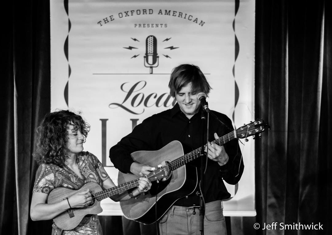 Fayetteville Folk duo Handmade Moments