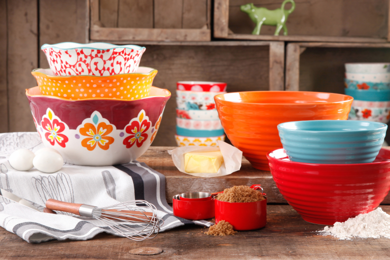 the pioneer woman launches houseware line in wal-mart - ay mag - ay