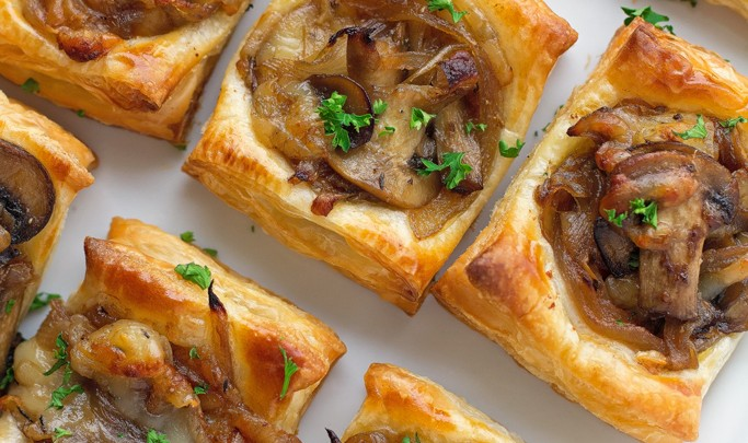 6 Thanksgiving Appetizers Your Friends + Family Will Love