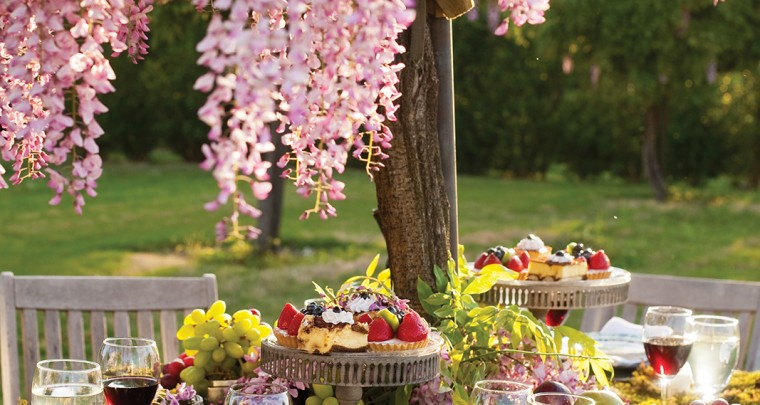 P. Allen Smith: Hosting a Spring Luncheon