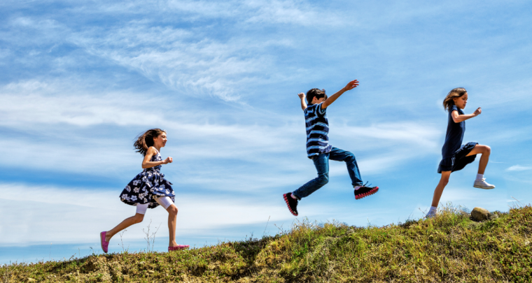 Here's Why Outdoor Play is the Best Way to Keep Your Kids Focused