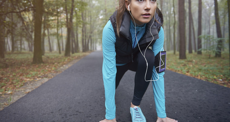 10 Ways to Stay Warm While You Work Out This Winter