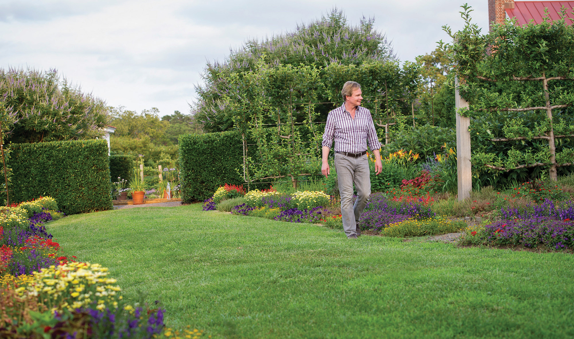 P Allen Smith Fall Lawn Care Tips Ay Mag Ay Is About You