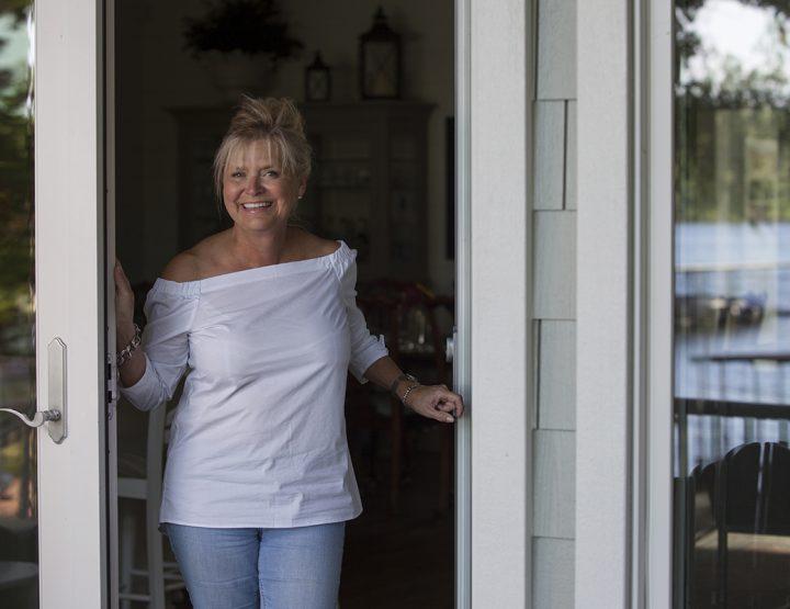 Online Exclusive: A Happy Lake Hamilton Cottage