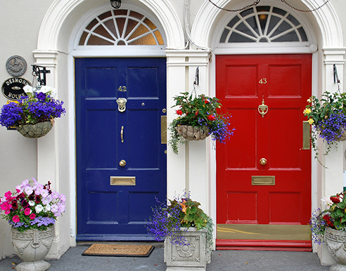 Choosing the Perfect Door Color for Your Home