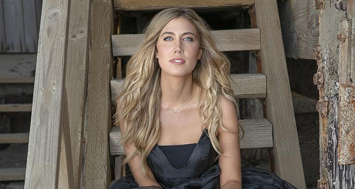 Arkansas Native Bailey Hefley Releases New Single Today